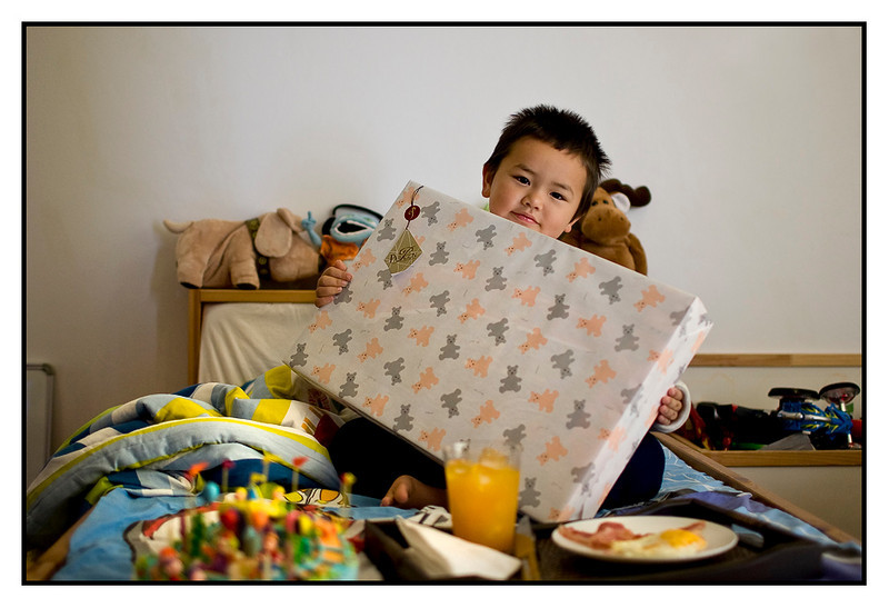 Sun 5 Sep - Six<br /> <br /> Six years already the small guy...wow time really flies !!! Breakfast in bed and then building his present, lego train, together