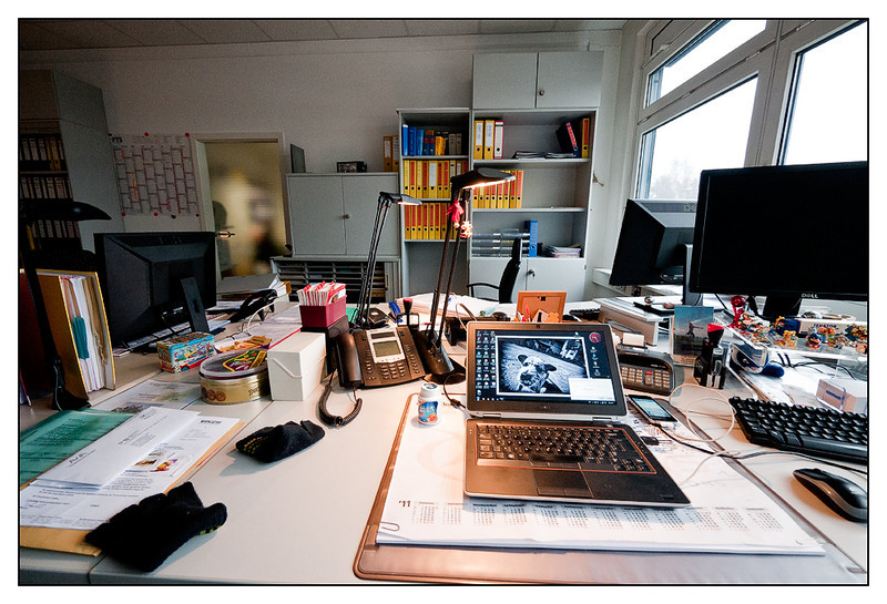 Wed 22 Feb - Office<br /> <br /> Got my self a desk at HQ  to prepare for tomorrows presentations