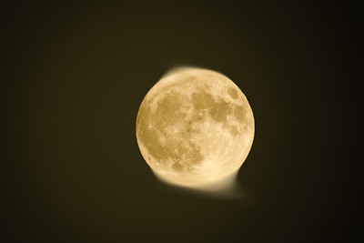 A pretty clear sky for tonight's almost supermoon