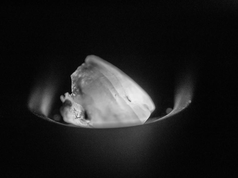 Illuminated broken tooth
