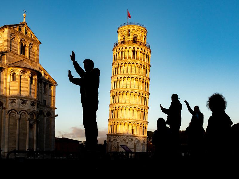 Pisa silhouettes