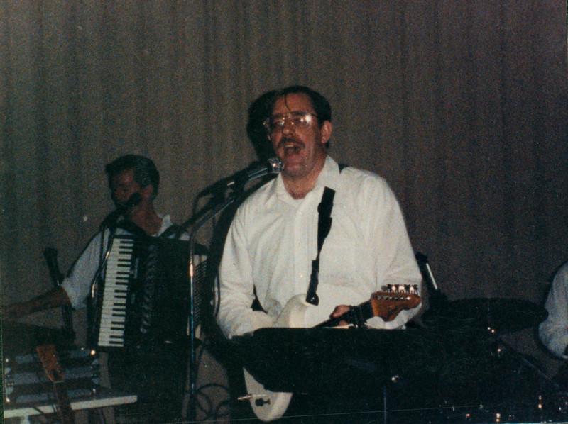Singing Pictures