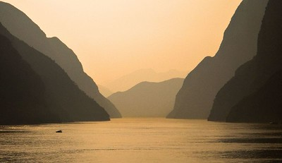 Week 23 3. Different take - two minutes earlier Three Gorges