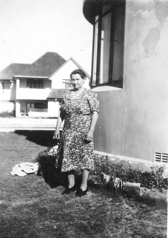 1942 - Becky Ligoff in Port Elizabeth