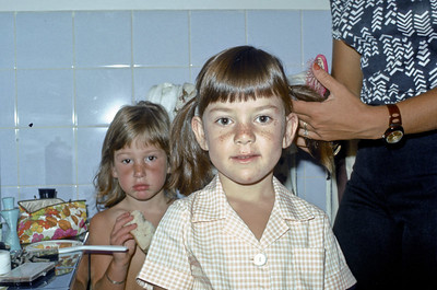 January 1975 - Wendywood - Lisa gets ready for her first day at school