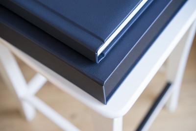 Perfetto 35 x 25  Dark Blue Leather