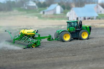 _MLE0323 John Deere 4WD n Planter