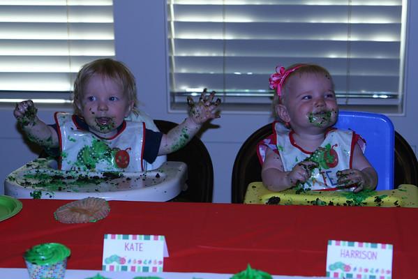 Birthday Table & Cupcakes