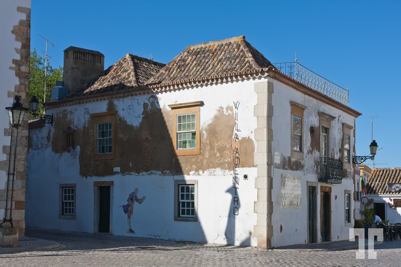 Old buildings in Faro, Portugal  (ZZ)