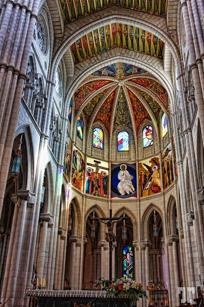 Almudena-Cathedral-Madrid-inside-5