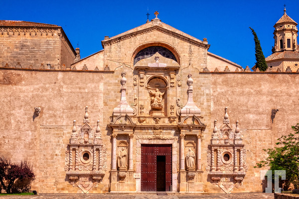 Poblet-monastery-entrance-2