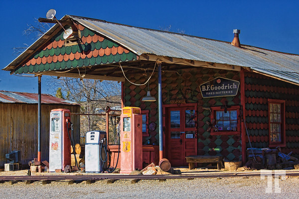 old-gas-station-chloride