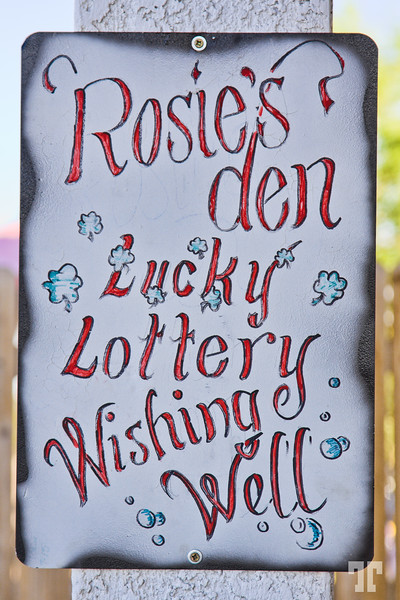 lucky-lottery-sign-rosie's-ben-pub-route66