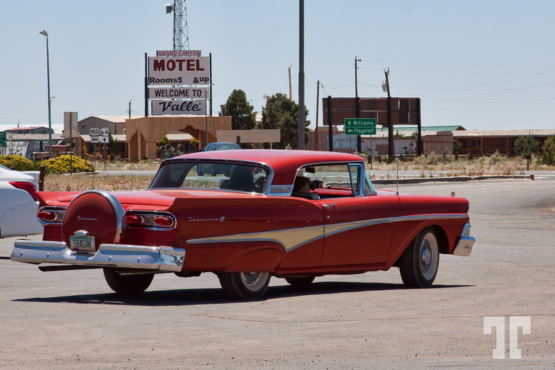 classic-red-car-grand-canyon
