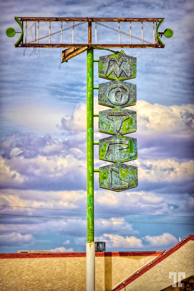 motel-sign-kingman-arizona-route66-studio-mod