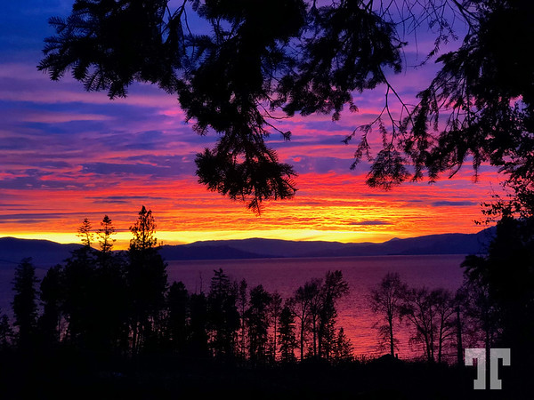 Flathead-National-Forest-lake-sunset-LU