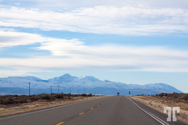 snow-mountains-nevada-hwy 395