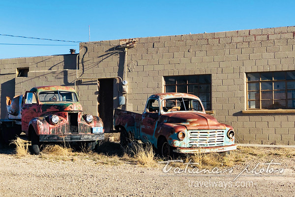 Corizozo-NM-old-trucks