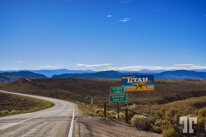 Utah-welcome-sign-road-hwy191-2a