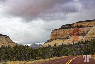 Zion National Park entrance  (ZZ)