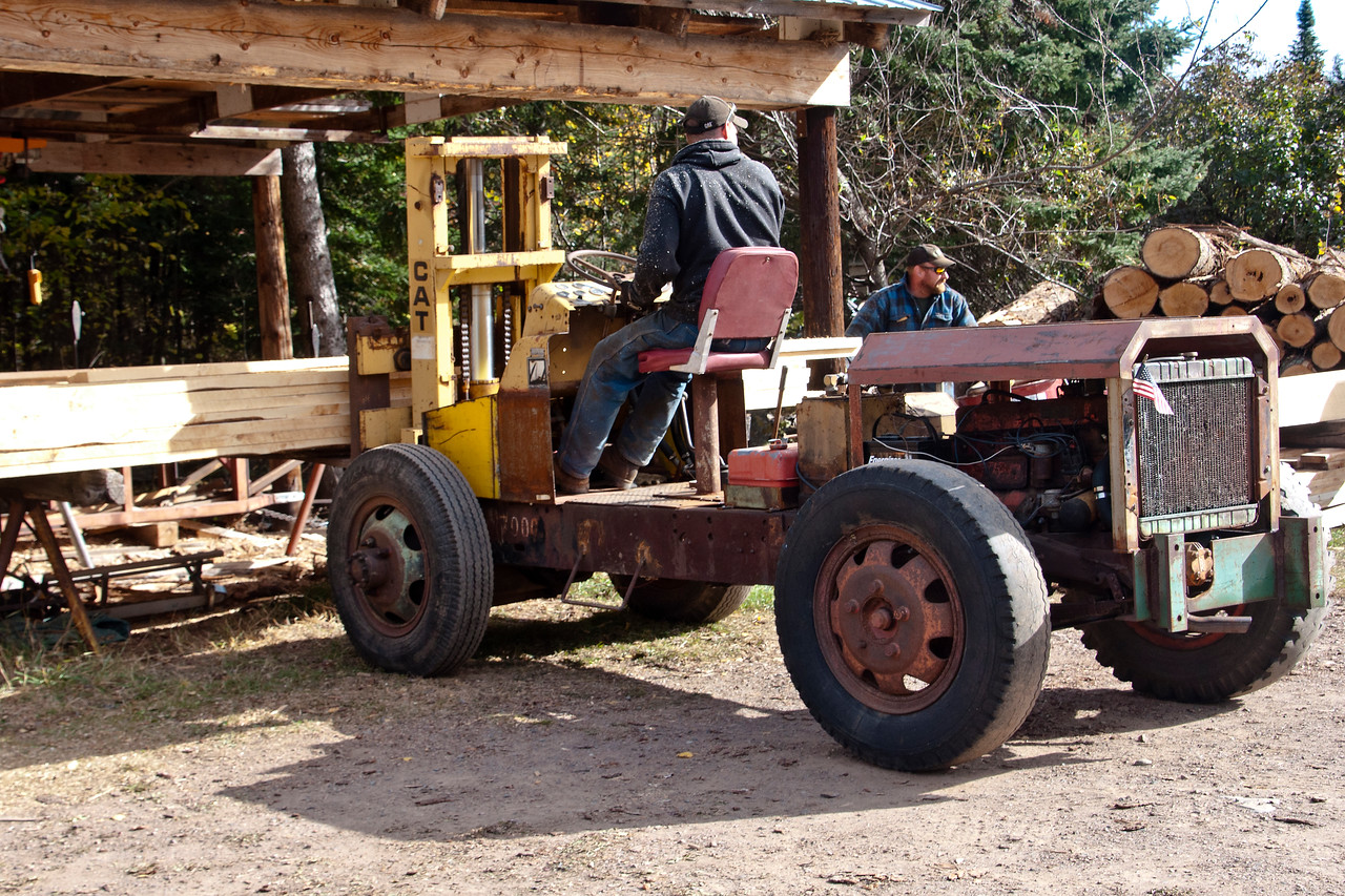 I heard that Wayne made this forklift himself.  It sure came in handy for moving the logs and the finished lumber around.