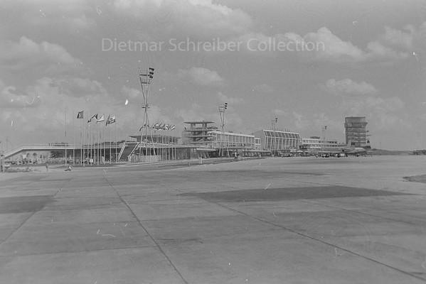 1960-08-17 Vienna Airport