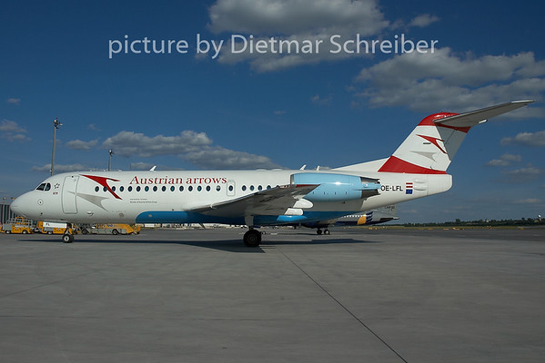 2005-06-19 OE-LFL Fokker 70 Austrian Arrows