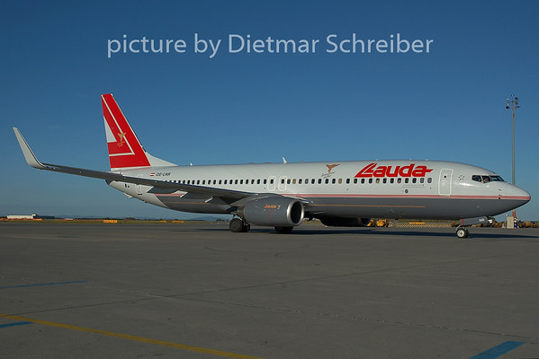 2005-06-18 OE-LNR Boeing 737-800 Lauda Air