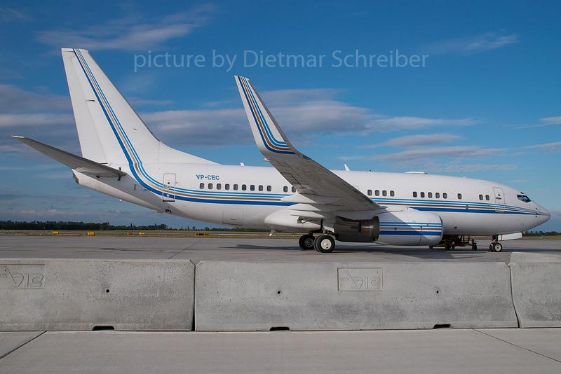 2007-07-06 VP-CEC Boeing 737-700