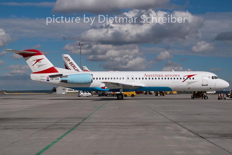 2007-07-10 OE-LVK Fokker 100 Austrian Arrows