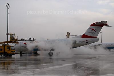 2007-12-31 OE-LFR Fokker 70 Austrian Airlines
