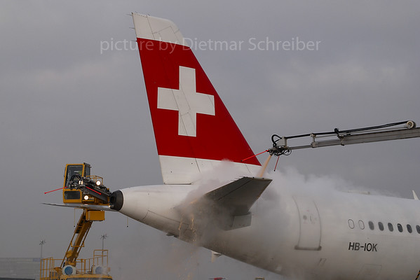 2007-12-31 HB-IOK Airbus A321 Swiss
