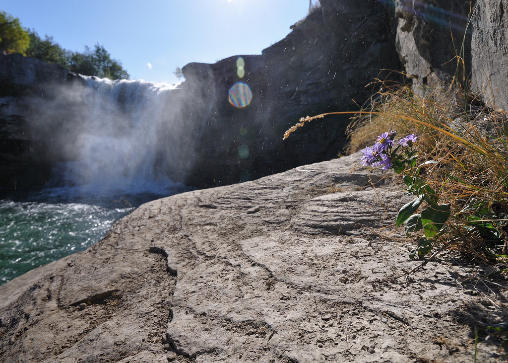 Lumbrek Falls, Alberta