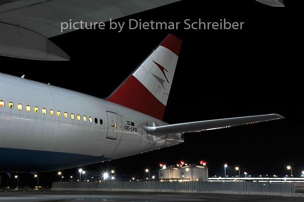 2011-12-20 OE-LPD Boeing 777-200 AUstrian Airlines