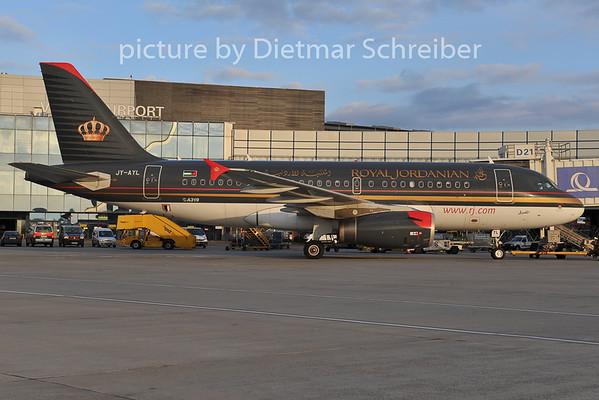 2011-11-22 JY-AYL Airbus A319 Royal Jordanian