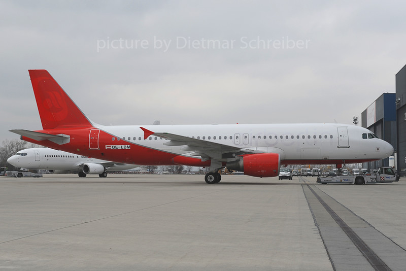 2013-03-08 OE-LBM Airbus A320 Austrian Airlines