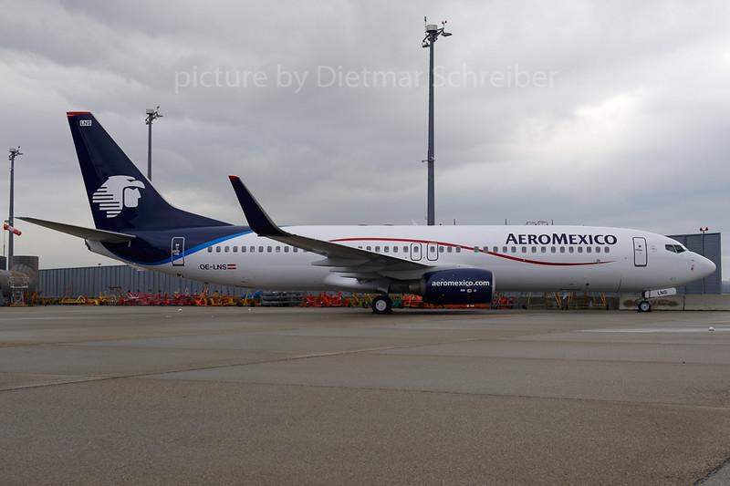 2013-01-09 OE-LNS Boeing 737-800 Aeromexico