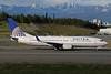 2013-06-04 N87513 Boeing 737-800 United Airlines