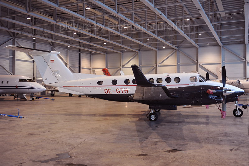 2013-02-12 OE-GTH Beech 350 King Air
