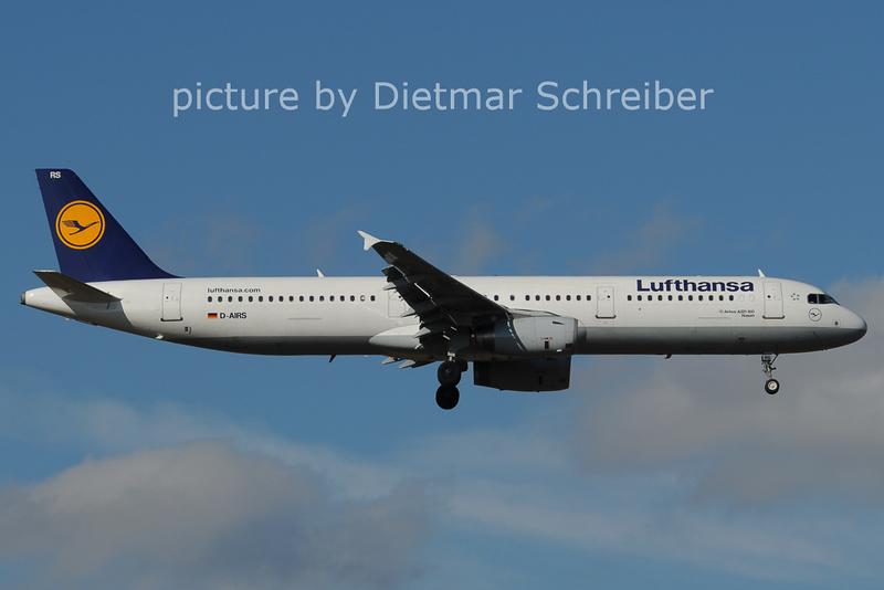 2014-02-28 D-AIRS Airbus A321 Lufthansa