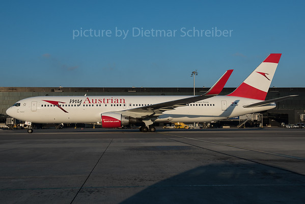 2015-12-31 OE-LAT Boeing 767-300 Austrian Airlines