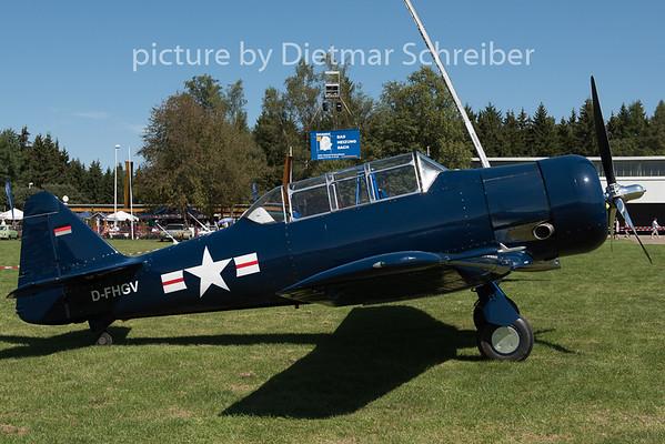2015-08-29 D-FHGV T6 Texan