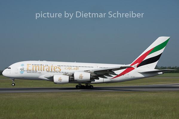 2015-05-19 A6-EDZ Airbus A380-800 Emirates