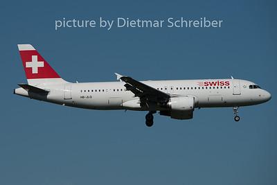 2015-08-29 HB-JLQ Airbus A320 Swiss