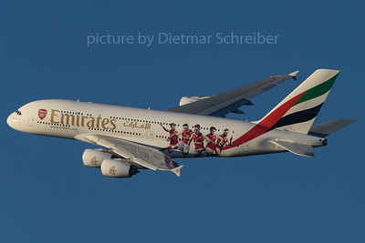 2016-12-30 A6-EUA Airbus A380 Emirates