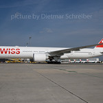 2017-04-14 HB-JNF Boeing 777-300 Swiss