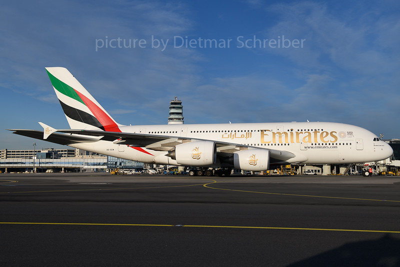 2017-12-13 A6-EEW Airbus A380 Emirates
