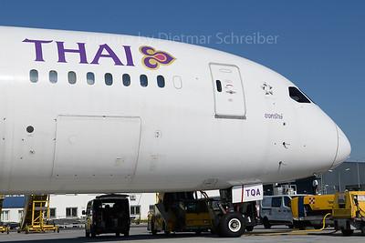 2018-04-20 HS-TQA Boeing 787-8 Thai AIrways