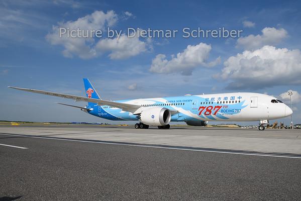2019-06-18 B-1168 Boeing 787-9 China Southern