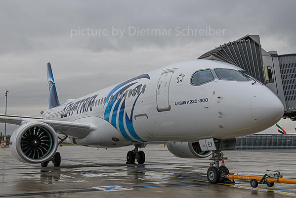 2019-11-05 SU-GEY Airbus A220-300 Egyptair